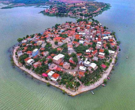 Gölyazı Gezi Rehberi: Bursa'nın sempatik adası